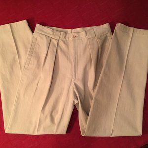 Levis Trimfit High Rise Waist-loving trousers NWOT